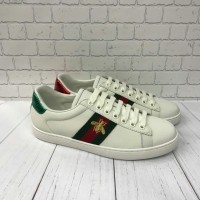 SEPATU GUCCI SNEAKERS WHITE BEE FOR MEN MIRROR QUALITY 231d3a164d