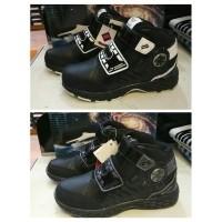 Daftar harga Finotti Sepatu Sekolah J Bieber Zero Black White Bulan ... 18ff43dc23