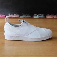 Daftar harga Adidas Sepatu Superstar Slip On Putih Bulan Februari 2019 a4e324d6a8