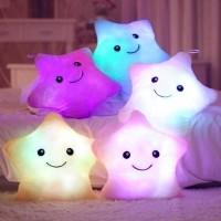 Bantal Boneka Plush dengan Bentuk Bintang dan Lampu LED Warna Warni 579410321c