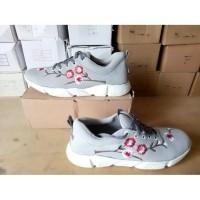 Daftar harga Ls Sepatu Kets Cewek Bunga Sakura Cantik Bulan Februari ... 5ebea811c5