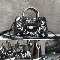 BALENCIAGA Classic City Graffiti 30 Cm Mirror Quality Tas Branded  (478071301) 19daeae680