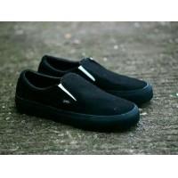 Sepatu Vans Slip On Slop Casual Loafers Santai Simple Mono Black 64667252eb