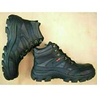 sepatu pria kickers Lokal Boots Safety Shoes ujung besi Caterpillar King  Krisbow Jogger Crocodile lacoste Touring Bikers Snta Hitam Coklat Grosir 882beddb29