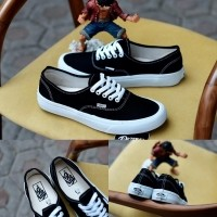 a03a68b4b2 Sepatu Vans Authentic Mono Black White Import Premium Bnib China (450161253)