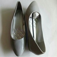Daftar harga Nevada Flat Shoes Sepatu Wanita Branded Matahari Bulan ... 8d7c65a7c2