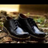 Sepatu Low Boots Docmart Dr Martens 3 hole   lubang   Pendek - Kulit ! ( d1c5aa6e70