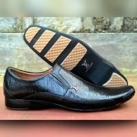 Daftar harga Sepatu Pria Louis Vuitton Lv Original With Receipt ... 936c27c80a