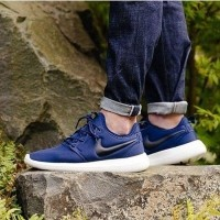 2aaeb335564f Daftar harga Sepatu Nike Roshe Two Navy Premium Bnib Rosherun Bulan ...