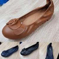 Daftar harga Sepatu Wanita Clarks Bulan Februari 2019 adf93c04cf