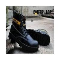 Sepatu Pria Boots TERMURAH Sepatu Caterpillar Licin Safety Boots Black Murah  Harga Grosir Original Brand Custom 57093966b3