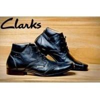 Sepatu Formal Pria Clarks Original Pantofel Casual Kerja Kantor Kulit Dinas  Elegan Keren Stylish Pesta 8575b95a1c