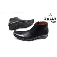 dari toko  Lazada · sepatu pantofel boots casual kulit asli pria sepatu  formal casual kulit asli kickers bally pakalolo sepatu 918320aa6e
