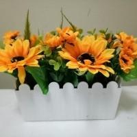 Artificial bunga rose or matahari dengan pot persegi panjang (476915702) acd4d72b76
